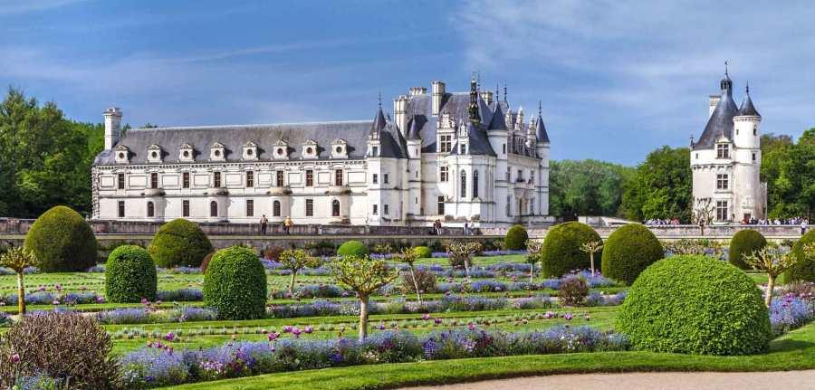 chateau-chenonceau-loire-valley-france